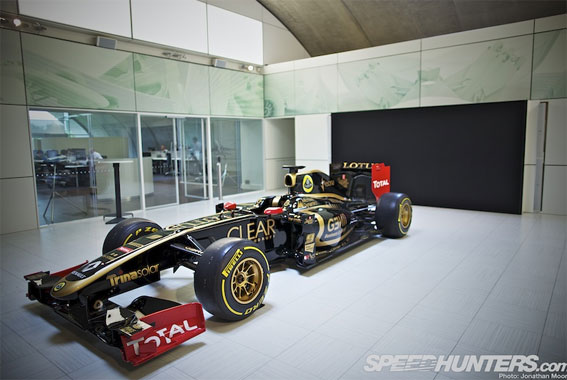 Black &amp; Gold &amp; Green: Lotus F1 Factory Tour